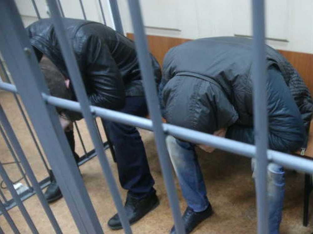 ВМинусинске двоих парней осудят завымогательство икражу