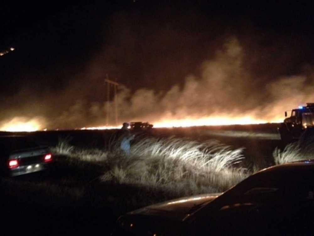 Практически 400 человек смогли отстоять село вночной борьбе состепным пожаром